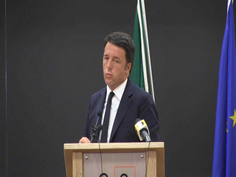 Renzi e la protesta che offusca L'Aquila