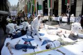 Flash mob a Milano: suicidarsi per lavoro